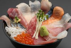 地魚 秋魚のまかない丼